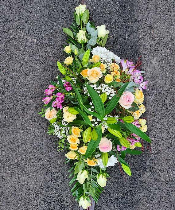 Aranjament funerar cu flori pastel 1