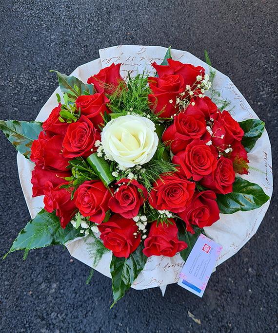 Buchet 23 trandafiri 1