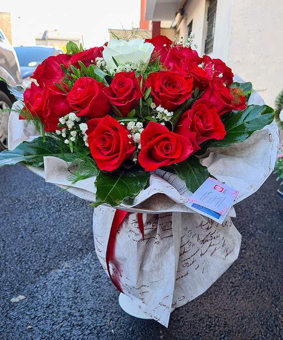 Buchet 23 trandafiri 2