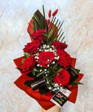Buchet 7 trandafiri rosii piramidal 2