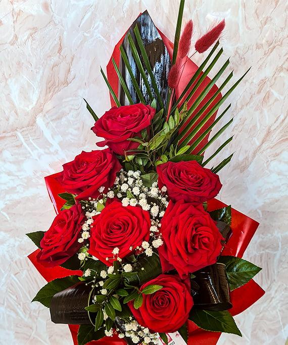 Buchet 7 trandafiri rosii piramidal 4