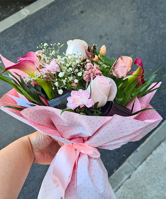 Buchet cale trandafir Astilbe 3 1