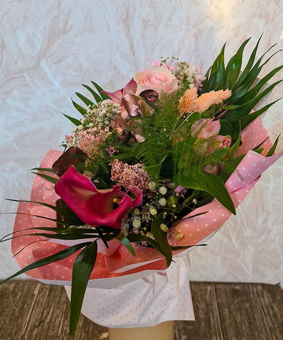 Buchet cale trandafir Astilbe 6 1