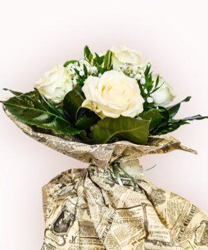 Buchet din 11 trandafiri albi 2