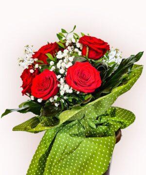Buchet din 11 trandafiri rosii 2