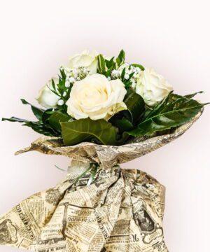 Buchet din 15 trandafiri albi 2