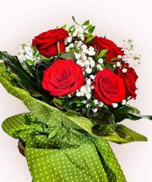 Buchet din 15 trandafiri rosii 2