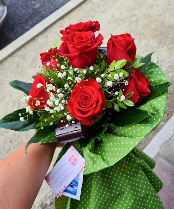 Buchet din 7 trandafiri rosii a1