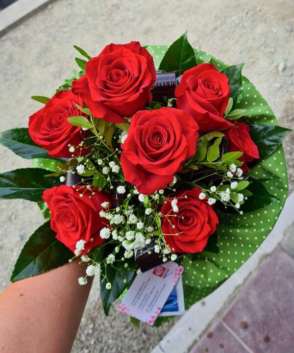 Buchet din 7 trandafiri rosii a3