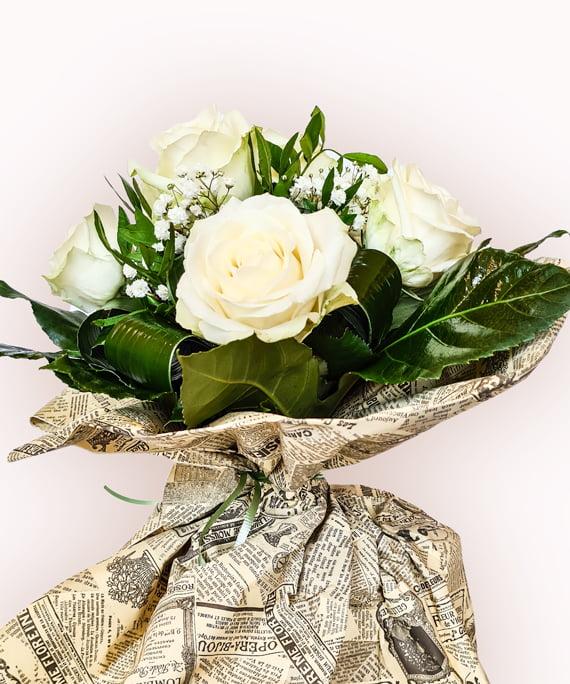 Buchet din 9 trandafiri albi 3