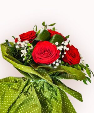 Buchet din 9 trandafiri rosii 2