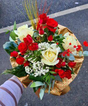 Buchet trandafiri si miniroze 1