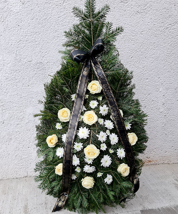 Coroana cu trandafiri albi 1