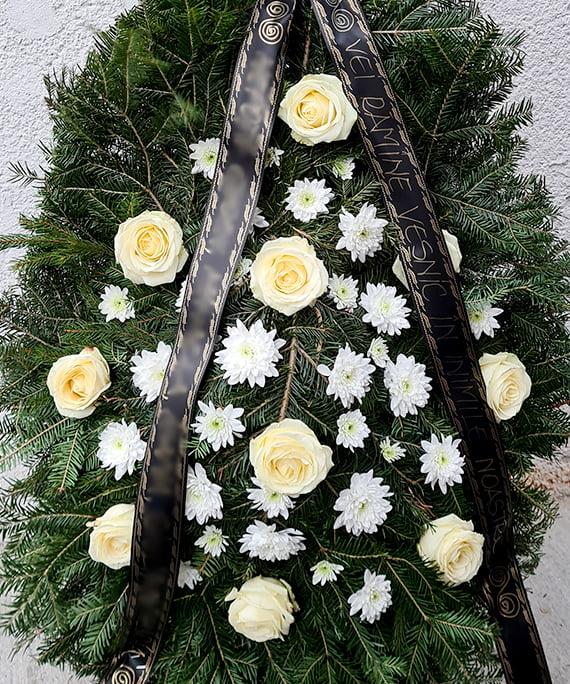 Coroana cu trandafiri albi 2