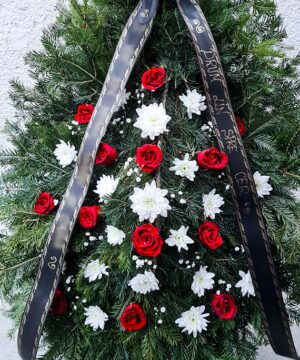 Coroana trandafiri rosii si crizanteme 2