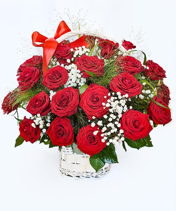 Cos cu 31 de trandafiri rosii 1