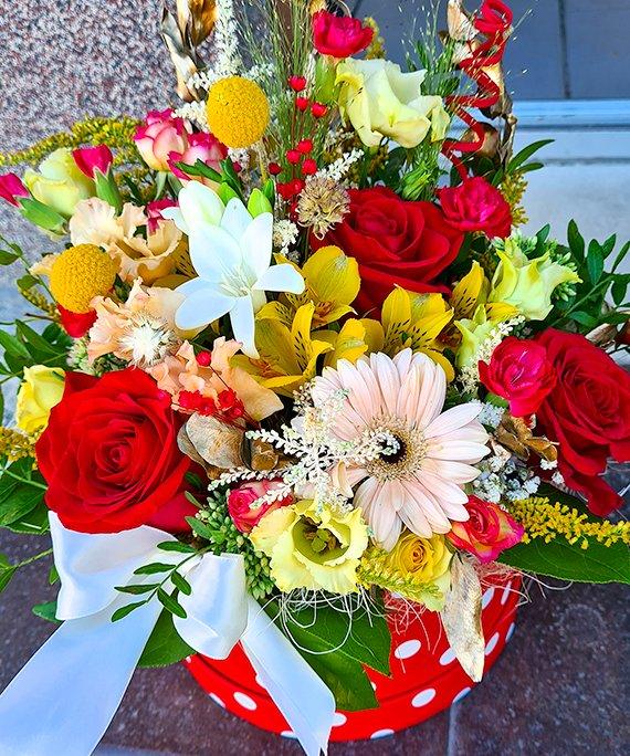 Cutie mare cu flori mixate 3