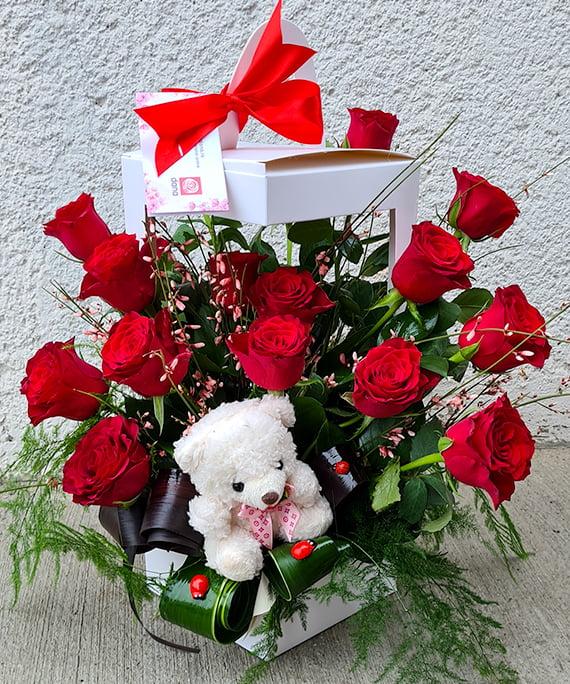 Cutie trandafiri si ursulet 1