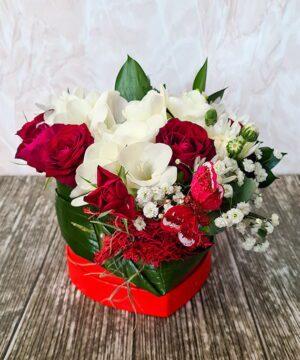 Inimioara cu flori mixate a2